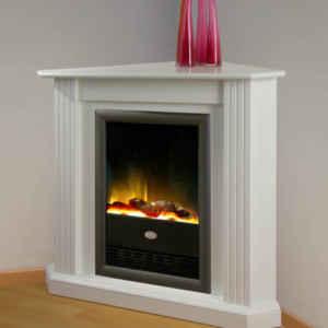 Ecken haben keinen guten Ruf. Mit diesem Elektro-Kamin machen Sie aber aus langweiligen oder dunklen Ecken echte Lieblingsplätze: Warm, hell und kuschlig.